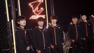 LPL电竞的强大 TES电子竞技俱乐部的崛起 英雄联盟比赛所带给人的热血 英雄联盟总决赛中国赛区能否拥有新兴队伍